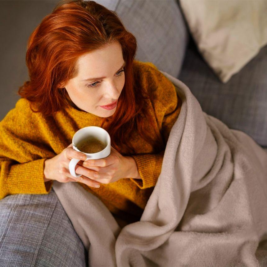 La coperta elettrica KLARSTEIN Dr. WATSON vi terrà al calduccio durante le lunghe giornate invernali, in divano davanti alla tv, o in compagnia di un buon libro