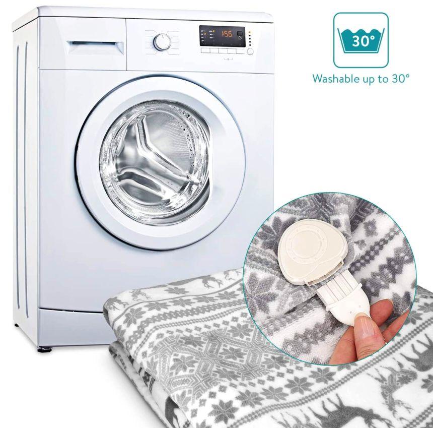 La coperta elettrica matrimoniale NAVARIS può essere lavata sia a mano sia in lavatrice (il telecomando è rimovibile, come chiaramente visibile in foto)