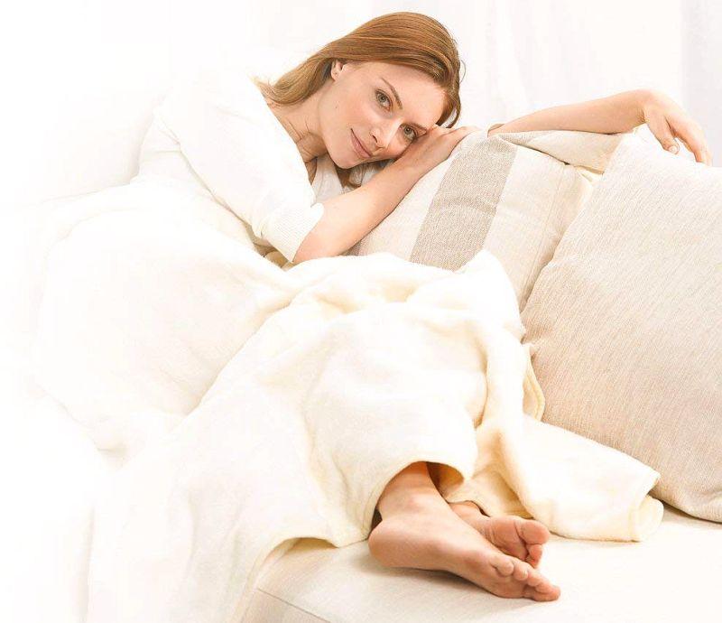 Termocoperta elettrica matrimoniale BEURER HD 90 da 180 x 130 centimetri, finalmente al calduccio anche in divano, davanti alla TV o leggendo un buon libro