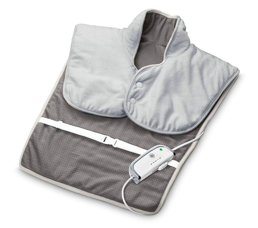 Il termoforo elettrico MEDISANA HP 630, in morbido tessuto traspirante per riscaldare e rilassare la muscolatura di schiena e spalle, color grigio
